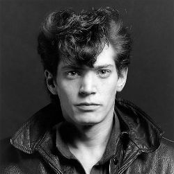 Robert Mapplethorpe - Self-portrait (1980)